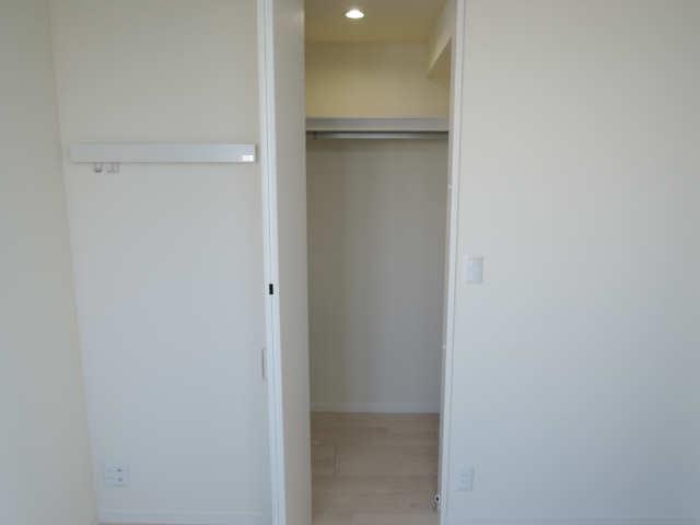 203号室収納3