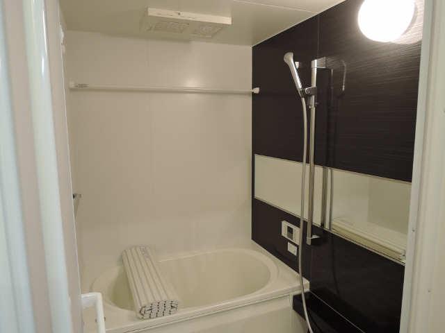 203号室浴室