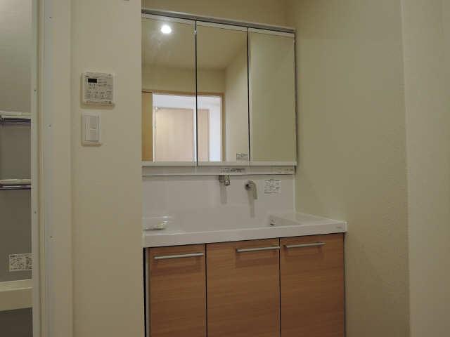 301号室洗面