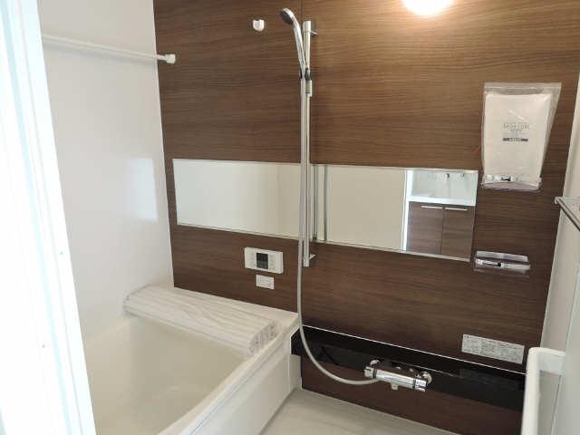 302号室浴室